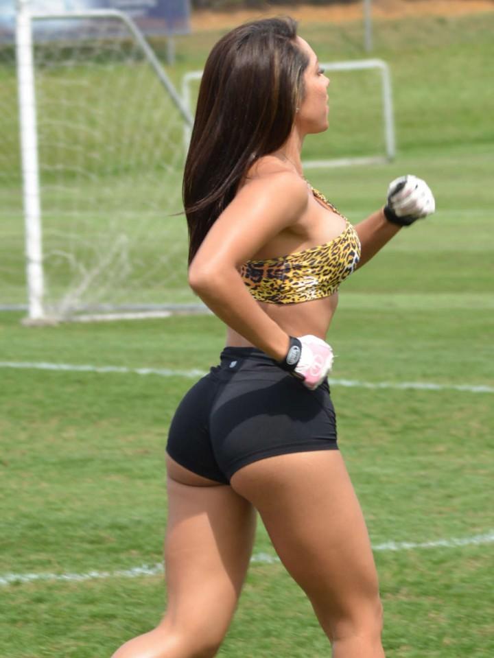 Andrea-Calle--Workout-Photos-in-Miami--06-720x959